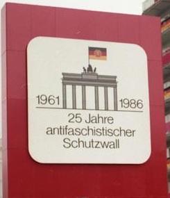 """""""DDR""""-Feierlichkeiten zu 25 Jahren Berliner Mauer im Jahr 1986"""
